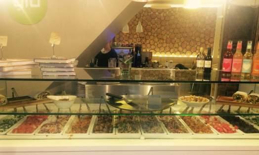 Glo salad bar