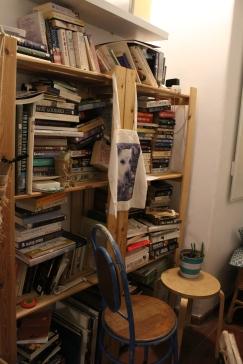Bookshelf in the vegan restauran